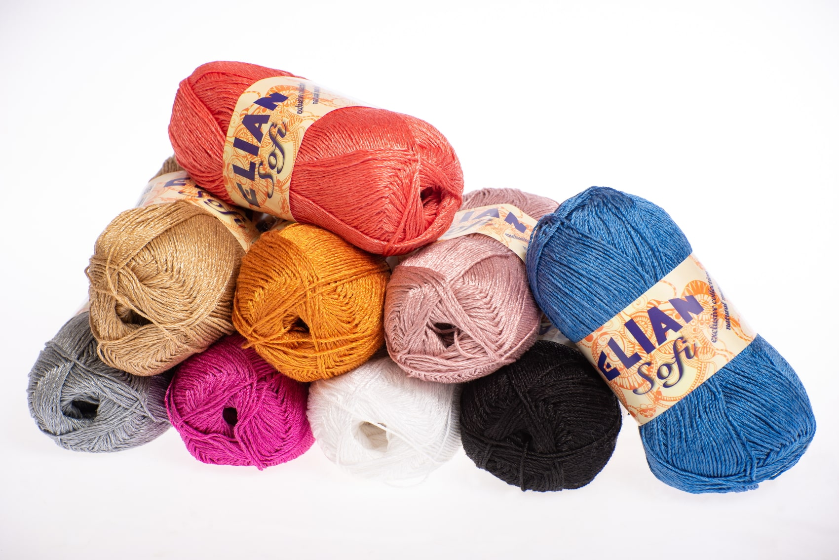 Knitting yarn for spring and summer - we recommend natural materials
